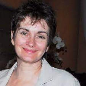 Jacqueline Luesby